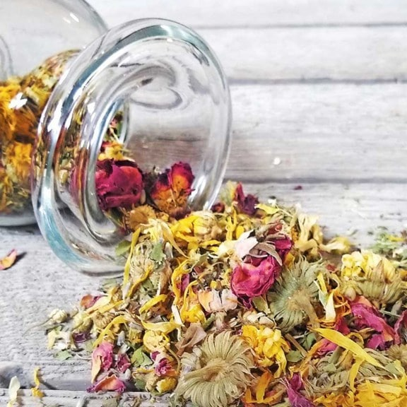 organic nest herbs