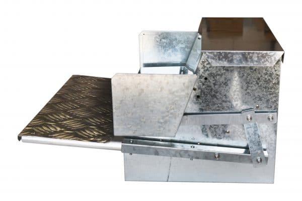 side metal feeder